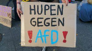 Hupen gegen die AFD